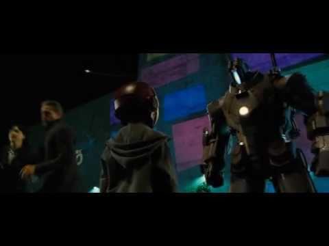 幼年的蜘蛛人首度於《鋼鐵人2》中登場的畫面!