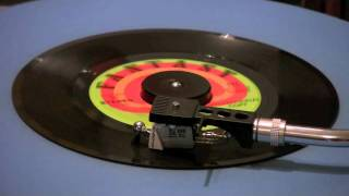Creedence Clearwater Revival - Sweet Hitch-Hiker - 45 RPM