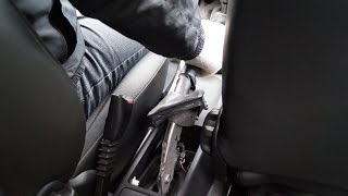 preview picture of video 'OPEL Corsa - Handbrake Adjustment'