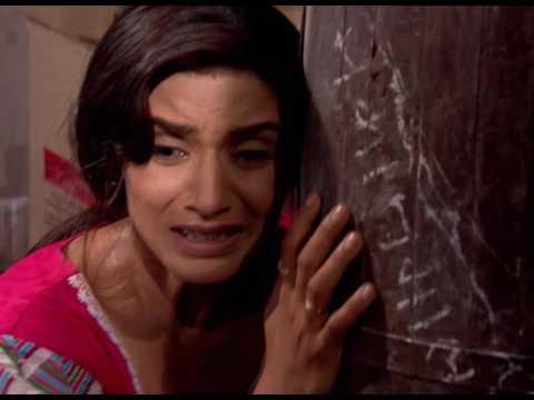 Indira, la demoiselle de fer ( Hitler Didi en vf) Munna a volé un bijou d'une grande valeur !