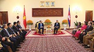 Thủ tướng gặp Chủ tịch Thượng viện và Chủ tịch Quốc hội Campuchia
