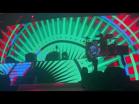 , title : 'Negrita-Radio Conga (live Unipol Arena 10/04/2018)'