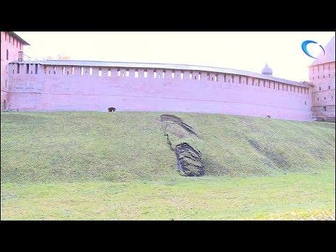 На валу у Кремлевской башни Кокуй обвалился грунт