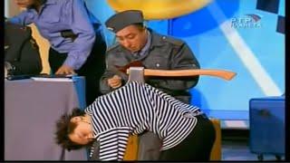 "Карен Аванесян в спектакле ""Отделение милиции"" (Кр.зеркало №53)"