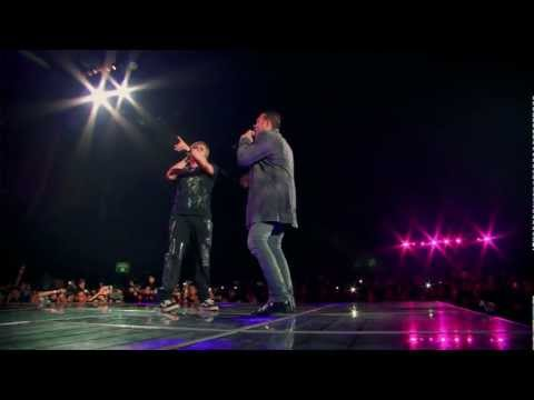 Los Auténticos Decadentes - Un osito de peluche de Taiwán (en vivo) OFICIAL