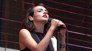 Leave a Trace (Reading Festival 2016) CHVRCHES Live