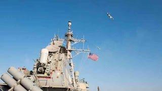 Матросов авианосца ВМС США напугали российские Су-24!