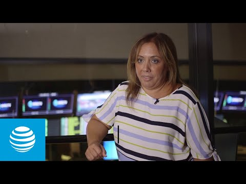 Meet the woman who keeps AT&T's football-loving customers engaged-youtubevideotext