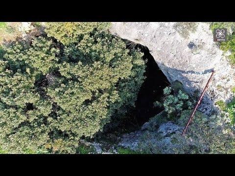 Σπήλαιο δολίνη: Εδώ ζούσαν πάνθηρες, 45 λεπτά από το κέντρο της Αθήνας (βίντεο)