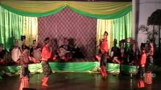 preview picture of video 'Pesta Gambus 2009 - PMBS Anak Warisan Pekan Menumbok'