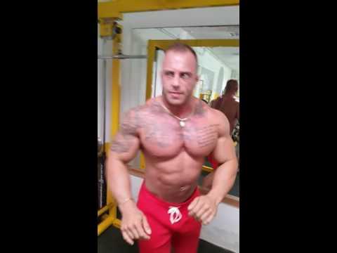 Biceps mięśnie jak typ
