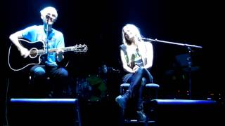 Avril Lavigne & Evan T. - Live Toronto Oct 24th - The Best Years of Our Lives