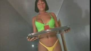 videos travestis - transexual en bikini