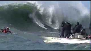 MAVERICKS SURFING COMPETITION