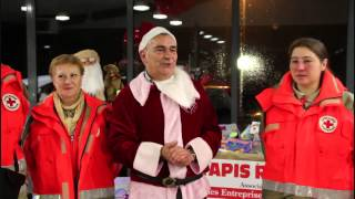 preview picture of video 'NOEL A BRESSUIRE : La Marche des Sapins - Tapis Rouge - Croix Rouge 2014'