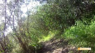 preview picture of video 'Short narrow trail in the old part of Oroklini (Voroklini)'
