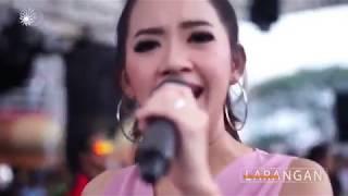Download lagu Cinta Berawan Rena Kdi Mp3