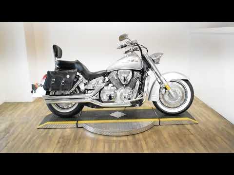 2006 Honda VTX™1300S in Wauconda, Illinois - Video 1