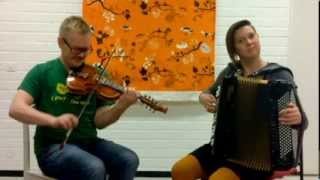 belbow - a Finnish-Norwegian folk music duo!