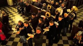 preview picture of video 'Roraty Toszek 18.12.2014, wejście orkiestry dętej z Toszka.'