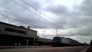 preview picture of video 'E444.058 sull' ICN 1911 Torino Porta Nuova - Salerno, in transito a Pomezia'