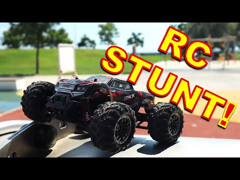 RC Monster Truck SKATE PARK BASHING - 1/20 Scale Xinlehong 9145