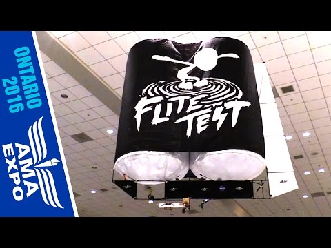 Flite Test Builds Gliders at AMA Expo
