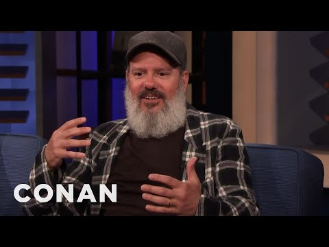 A Security Guard Quit In The Middle Of David Cross's Set - CONAN on TBS (видео)