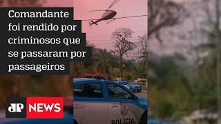 Piloto de helicóptero faz manobra sobre batalhão da PM no Rio de Janeiro