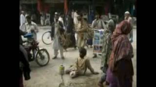preview picture of video 'beggars in pakistan'