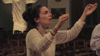 """Yael Naim : Rehearsal for the song """"Coward"""" with the Bardot Children Choir [video officielle]"""