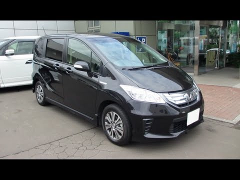 2012 HONDA FREED HYBRID - Exterior & Interior