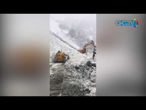 Fresh avalanches delay re-opening of Srinagar-Leh highway