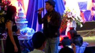 Zacariah singing Dahil Mahal Na Mahal Kita