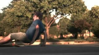 Смотреть онлайн Подборка: Падения на скейтборде в замедленной съемке