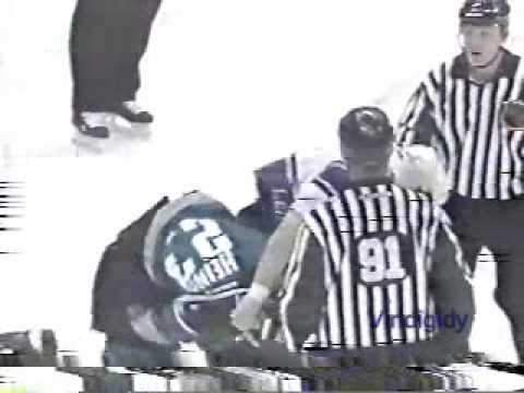 Ian Laperriere vs. Shawn Heins