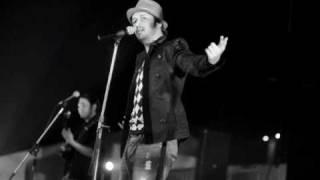Le Ja Tu Mujhe - Atif Aslam - F.A.L.T.U  2011 - Atif Aslam New Song Le Ja Tu Mujhey