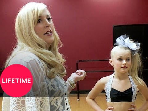 Dance Moms: Jessalynn Steals the Script (S5, E5) | Lifetime