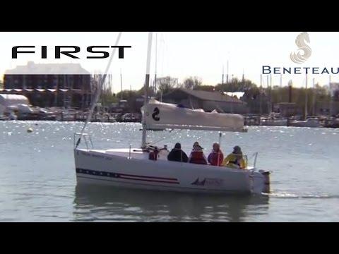 Beneteau First 18 video