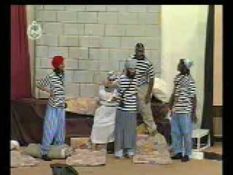 مسرحية المنحوس من بطولة هاني المقبل وعيد الدوسري – 4
