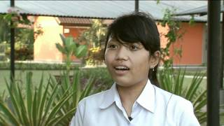preview picture of video 'Indonesia volunteer trip 2011 with VCU Qatar'