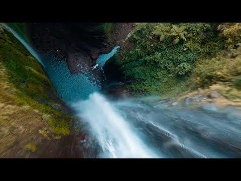 Εκπληκτική πτήση drone σε καταρράκτη