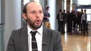 Négyszemközt – Gál Kinga és Rui Tavares az EuroparlTV-ben (angol nyelvű videó)