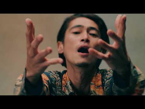 愛の讃歌 / 卍LINE