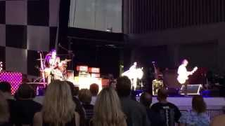 Cheap Trick (RARE LIVE PERFORMANCE) Daddy Should Have Stayed in High School
