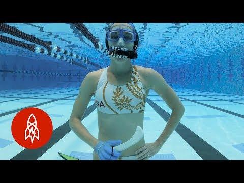 What it's Like Playing Underwater Hockey