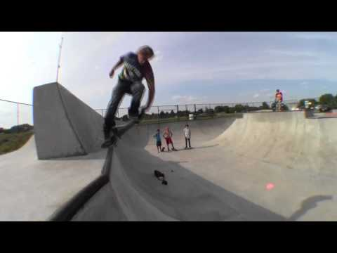 AJ Wysocki Skateboarding 2014 Park and Street