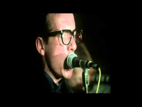 Elvis Costello - Lip Service (live) (Lyrics)