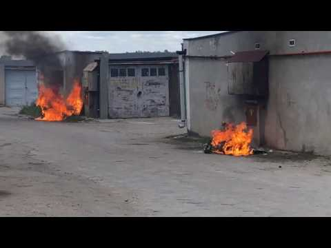 Wideo: Pożar śmietników przy garażach w Głogowie