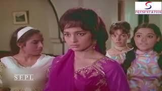 Komal Milna Chahti Hai Vyjyanthimala Se | Scene | Jawan